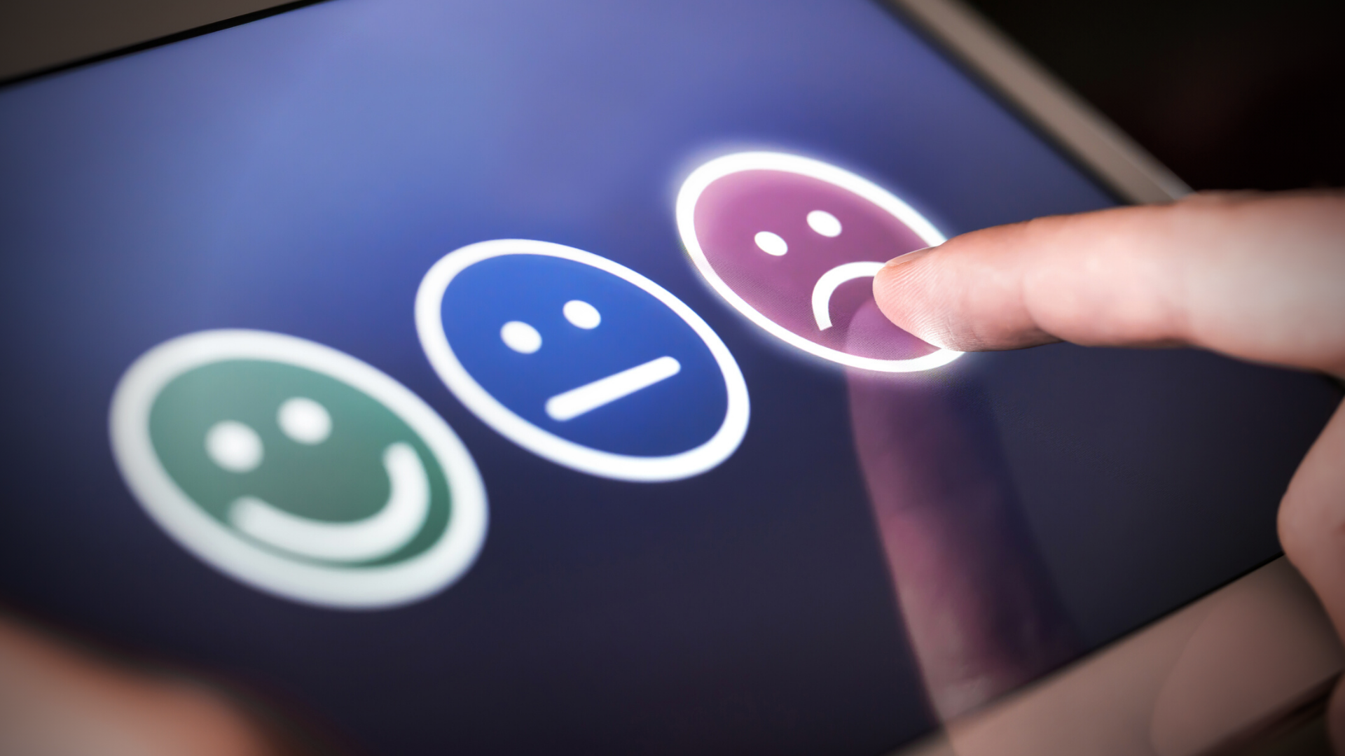 How To Deal With Negative Social Media Comments